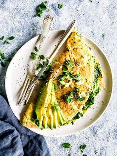 Green Goddess Omelet is a quick and healthy vegetarian breakfast or brunch dish. You can whip it up in no time, and it is just as delicious as a quick lunch or dinner with a salad. | #recipe #easyrecipes #brunch #breakfast #vegetarian #healthyrecipes #wellness #healthyfood #selfcare #breakfastrecipes #brunchrecipes