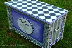 The Decorative Paintbrush, Designs by Mary Mollica: Custom Pieces Craft Storage Drawers, Diy Storage Bed, Blanket Storage, Toy Storage Boxes, Storage Design, Toy Boxes, Storage Chest, Hand Painted Furniture, Funky Furniture