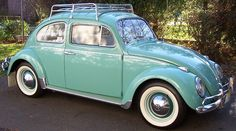 looks just like my dream car, color, roof rack and all, 1963 VW bug parents bought new. Loved that car CA plate : ) Auto Volkswagen, Vw T1, Volkswagen Beetle Vintage, Carros Vw, Kdf Wagen, Vw Vintage, Vw Cars, Cute Cars, Vw Beetles