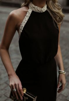 30 Dresses 30 Days Day 17 Corporate Charity Black backless gown with a gl Dresses Elegant, Beautiful Dresses, Classic Dresses, Pretty Dresses, Rachel Zoe, Outfit Des Tages, Backless Gown, Mode Chic, Mode Outfits