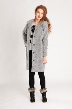 Schnittmuster Wintermantel Malu ist ein kuscheliger, gefütterter Mantel, den Du in verschiedenen Varianten nähen kannst. Auch als Jacke!