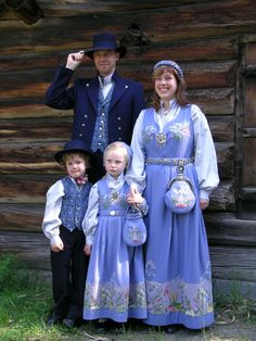 Traditional Norwegian folk costumes - Page 4 Folk Costume, Costume Dress, Folklore, Costumes Around The World, Thinking Day, People Of The World, Ethnic Fashion, Historical Clothing, World Cultures
