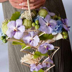 Bridal bouquet with Vanda's 'Springtime Blue'! - Mariages | AGAVE Fleurs Lausanne