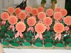Tag para enfeitar doces e cupcakes com número personalizado e laço de cetim. As cores e o número podem ser alterados para combinar com a decoração da festa. Mínimo de 10 unidades R$1,00
