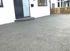 Slate Grey is a grey resin bound gravel colour for resin drives, paths & patios. Contact us for trade prices, quality materials & permeable paving supplies.