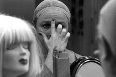 """BEŞ HARF sergisi: BANU KAPLANCALI """"King Kong'un Kızları, İstanbul Devlet Tiyatrosu-3"""" Fotoğraf, 33x50cm, 2010"""