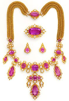 Magnificent Georgian Pink Precious Topaz, Diamond And High Karat Cannetille Gold Suite Of Necklace, Earrings, And Brooches With Multiple Interchangeable Components    c.1820