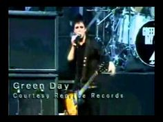 Billie Joe stops the song during live show