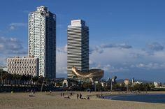 Si eres de los que ha decidido pasar las vacaciones en Barcelona, genial! Tienes toda la ciudad para ti. Es el momento perfecto para hacer el