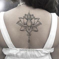 Flor de lotus já cicatrizada! Muito obrigado pela confiança! #arte #art #blackwork #fineline ...