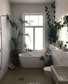 Check Out Yellow Bathtub Remodel Interior Exterior, Interior Design, Ideas Baños, Bathtub Remodel, Cool Rooms, Bathroom Inspiration, My Dream Home, Sweet Home, Minimalist Home
