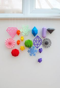Paper stars // MiniEco - this would be great for a kid's room!