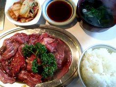 ④京城園(自由が丘)  自由が丘でがっつり焼き肉ランチといえばここ!長年地元民から愛され続ける焼き肉屋さんです。焼き肉ランチは850円でボリューム満点。満足度が高いと評判です。
