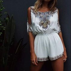 """Item Type: Jumpsuit Material: Polyester Sleeve Length: Short Sleeve Sleeve Style: Standard Collar: Round Neck Pattern: Print Style: White Size: XS (US size) Bust: 31-33"""", Waist: 23-25"""", Hips: 33-35"""" S"""