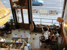 Auguszt Coffee House Established 1870