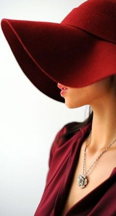 Marsala, an earthy wine red is the Pantone colour of It is an impactful, full-bodied and elegant grounded color. Ladies Day, Glamour, Steampunk Hut, Fascinator, Headpiece, Carole Middleton, Love Hat, Turbans, Red Hats