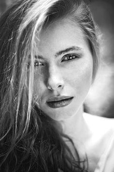 Photo by Piotr Bramora Photography, model Anna Ludwin/Fashion Color