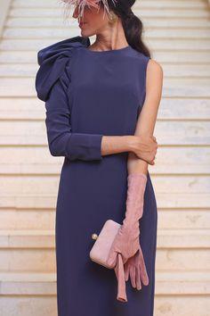 2510c46164 Invitada boda de mañana otoño invierno tocado pequeño vintage vestido  morado invitada perfecta
