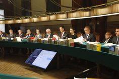 Los Reyes Felipe VI y Letizia presidieron el Pleno de la Real Academia Española @RAEinforma 02-06-2016