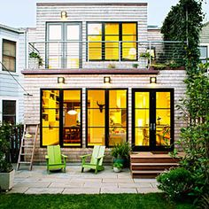 """Plan for low upkeep """"Out back, our top priority was a no-maintenance exterior,"""" says King. He clad the addition in white cedar shingles know. San Francisco Houses, Historic Homes, Sustainable Living, Exterior Design, Exterior Paint, Home Remodeling, Tiny House, Small Houses, Beautiful Homes"""