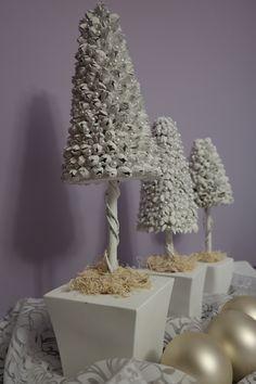 Dekoracje świąteczne z szyszek buku.