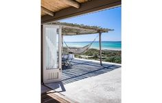 22 Seriously Cool Surf Shacks You'll Want To Live In - Mpora Surf Shack, Beach Shack, Beach Cottage Decor, Cottage Ideas, Beach Cottages, Outdoor Furniture, Outdoor Decor, Hammock, Bungalow