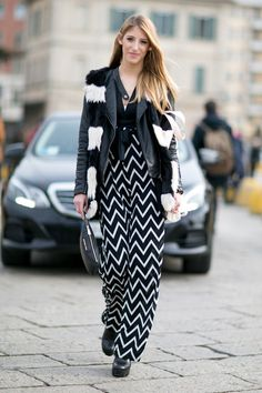 Pin for Later: The Best Street Style Looks From Milan Fashion Week Day 1 Fashion Milan, Milan Fashion Week Street Style, Look Street Style, Autumn Street Style, Cool Street Fashion, Office Fashion Women, Teen Fashion, Fashion Outfits, Fashion Tips