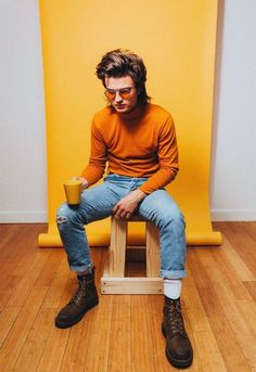 Things steve 'Stranger Things' Joe Keery's Training for Steve Harrington Was a Complete Waste of Time stranger things season 3 joe keery steve harrington Stranger Things Joe Keery, Steve Harrington Stranger Things, Stranger Things Aesthetic, Mode Masculine, 80s Fashion Men, Fashion Fashion, High Fashion, Fashion 2018, Spring Fashion