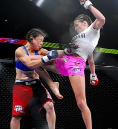 Ivana Coleman and Cat Zingano Muay Thai Workouts, Cat Zingano, Octagon Girls, Miesha Tate, Ufc Boxing, Ufc Fighters, Female Fighter, Eyes On The Prize, Mixed Martial Arts