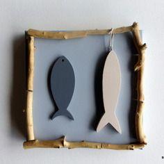 Tableau gris avec poissons et bois flotté - décoration esprit bord de mer