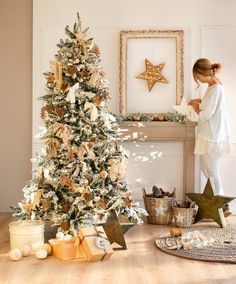 Elegant Christmas: decorate with natural colors – Happy Christmas Christmas Wonderland, Magical Christmas, Elegant Christmas, Noel Christmas, Christmas Design, Winter Christmas, New Years Decorations, Christmas Tree Decorations, Navidad Natural