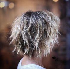 I LIKE THIS Short Blonde Haircuts, Short Shag Hairstyles, Blonde Hairstyles, Hairstyles 2018, Razor Cut Hairstyles, Bang Hairstyles, 2018 Haircuts, Choppy Bob Haircuts, Layered Bobs