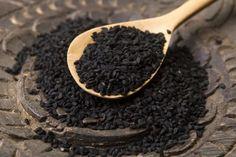Les chercheurs disent que la graine noire (graine de nigelle sativa) contient les éléments les plus bénéfiques que n'importe quel autre composé jamais découvert. Elle contient plus de 100 composés différents qui sont bénéfiques. Elle augmente les taux de glutathion, le principal antioxydant dans le corps alias la mère de tous les antioxydants. Voici une …