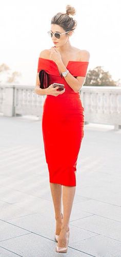 Love red dress that show off the shoulder <3