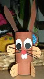 Páscoa - coelho feito com rolinho de papel higiênico