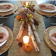 Easy DIY Thanksgiving Decor Ideas on a Budget - Fall Centerpiece Fall Table Centerpieces, Thanksgiving Centerpieces, Diy Thanksgiving, Thanksgiving Celebration, Dining Room Table Decor, Deco Table, Decoration Table, Harvest Table Decorations, Diy Christmas Table Decorations
