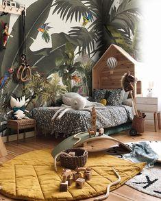Jungle Bedroom, Boys Bedroom Decor, Nursery Room, Boy Room, Nursery Decor, Parrot Wallpaper, Wall Wallpaper, Colorful Parrots, Textured Wallpaper