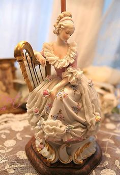 Antique dresden lamp - after music concert end. Fine Porcelain, Porcelain Ceramics, Ceramic Art, Pretty Dolls, Beautiful Dolls, Ballerina Figurines, Custom Made Gift, My Doll House, Half Dolls