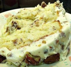 Quick Italian Cream Cake  Ingredients : 1 (16.25-ounce) package white cake mix (I used Duncan Hines Moist Deluxe) 3 large eggs 1 1/4 cups b...