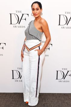 For the DVF Awards at United Nations Tracee Ellis Ross wore an asymmetric number direct from Jonathan Saunder's premiere collection for the brand. Needless to say she owned it. Tracey Ellis, Scorpio Girl, Tracee Ellis Ross, Jonathan Saunders, Clothing Blogs, Casual Chic Style, Red Carpet Fashion, Nice Dresses, Celebrity Style