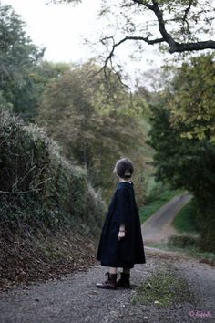 A walk in the woods. Country Life, Country Girls, Country Roads, Country Walk, Country Kitchen, Country Living, French Country, Story Inspiration, Character Inspiration