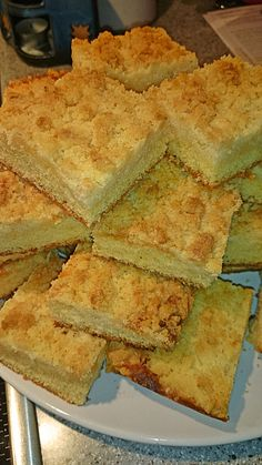 Fast crumble cake from the tray by Leicht_Gahr_gekocht Easy No Bake Desserts, Easy Cookie Recipes, Baking Recipes, Great Recipes, Cake Recipes, German Baking, Vegan Scones, Scones Ingredients, Gateaux Cake