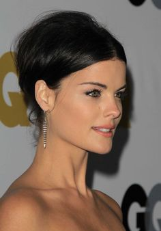 A Few Tricks to Making Short Hair Stay in an Updo You Can Steal From Jaimie Alexander