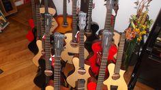 Boa tarde! Venha ao Salão Musical de Lisboa experimentar as guitarras Corona! http://salaomusical.com/pt/search/?bxOrd=pasc&bxPgs=10&bxPag=1&bxTxt=&bxPrc=0&bxMrc=147&bxCat=0&bxRef=