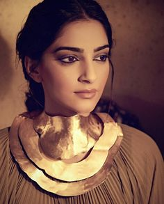 Sonam Kapoor, Bollywood Stars, Bollywood Actress, Ruffle Blouse, Actresses, Artwork, Beauty, Women, Fashion