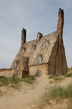 Shell Cottage, Pembrokeshire, Wales Cool!!! This is the cottage that featured in Harry Potter. It was made especially for the film and then abandoned.