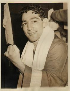 WILLIE PEP ...  won 229 (KO 65), lost 11, drawn 1 ... Willie Pep is an Italian-American boxer who fought for 26 years with a total of 229 wins out of 241 fights, perhaps the most impressive record in boxing.
