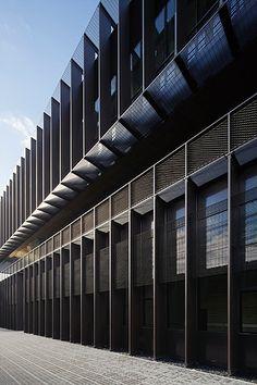 Rcr arquitectes edificio de oficinas l 39 hospitalet - Lycee leonard de vinci montpellier ...