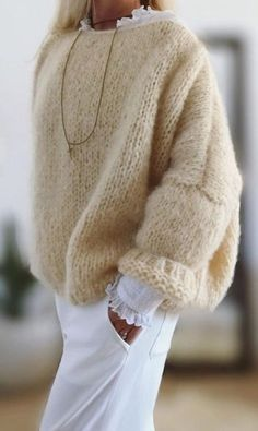 Sweet friday to you . Sweet friday to you . Mode Outfits, Fashion Outfits, Womens Fashion, Fashion Trends, Stylish Outfits, Look 2018, Paris Mode, Mohair Sweater, Mode Inspiration