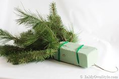 How to decorate with Christmas-Greenery